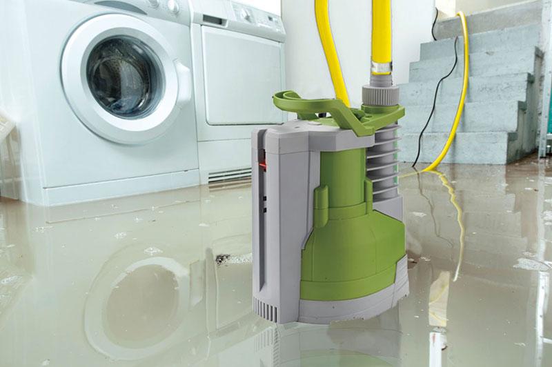 pompe i-spring avec flotteur intégré en action